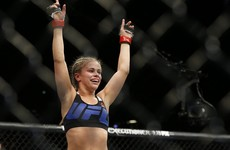 Paige VanZant marks her UFC return with a stunning second-round KO of Bec Rawlings