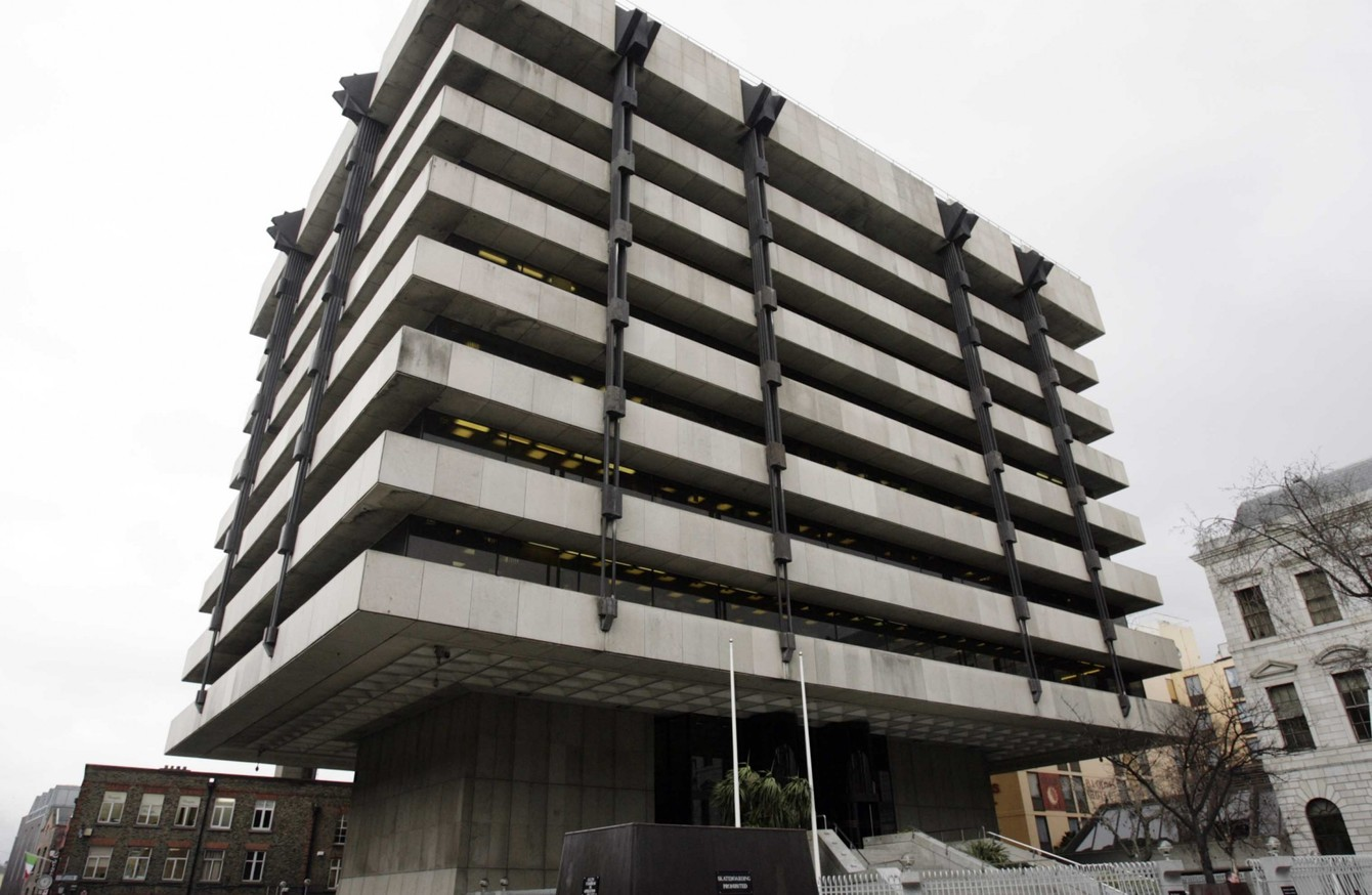 Britain has gone to war with brutalist architecture for Architecture brutaliste