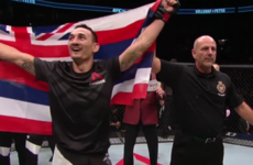Devastating Holloway stops Pettis to set up featherweight unification fight against Aldo