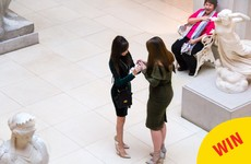 A man captured his sister's proposal and the best reaction in the background
