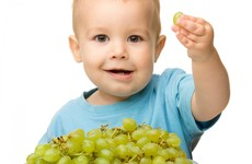 Doctors warn young children can choke to death on whole grapes