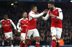 Last-gasp Giroud helps keep Arsenal's title bid alive