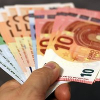 Poll: Should Ireland introduce some form of national maximum wage cap?