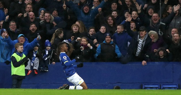 Look man, this is easy! Everton put four past dismal Man City