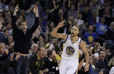Warriors hammer Cavs to snap four-game losing streak