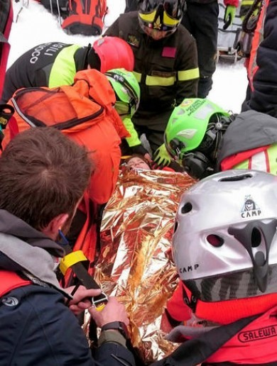A total of 11 people have now been rescued from the Italian hotel buried by snow