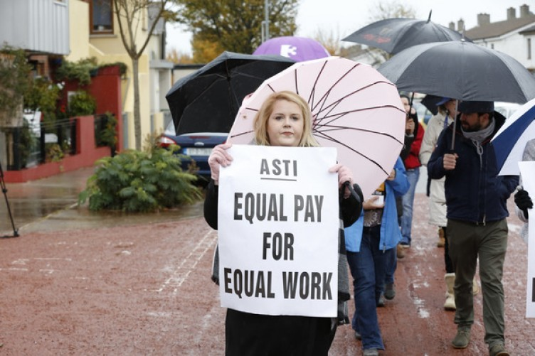 The picket line outside Pobalscoil Neasain Balydoyle during the recent teachers' strike