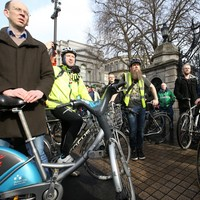 Watch: Several hundred cyclists just held a LOUD protest at Dáil �ireann calling for more funding