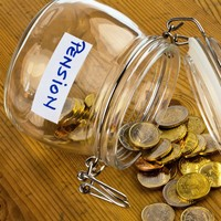 Poll: Should the retirement age be abolished?