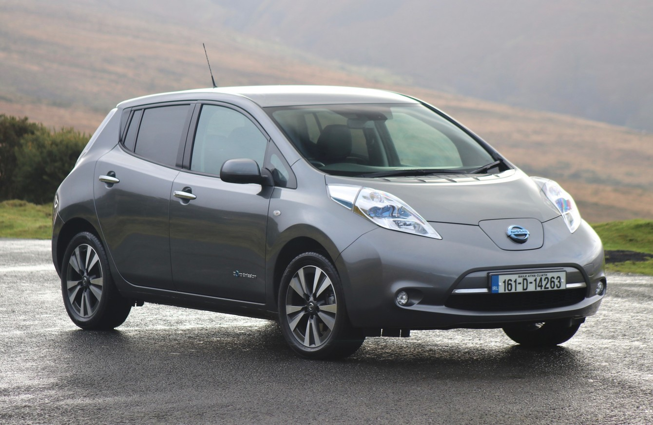 how far can you go in an all electric nissan leaf we put it to the test. Black Bedroom Furniture Sets. Home Design Ideas