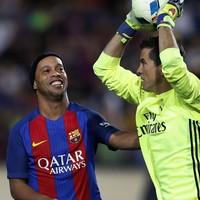 We're starting the campaign for Ronaldinho's return after this Barcelona masterclass