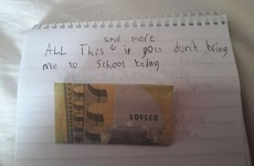 An Irish kid tried to bribe his parents to let him stay home from school with €5 and a hilarious note