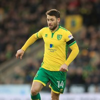 Wes Hoolahan celebrates Player of the Season award with final-day brace