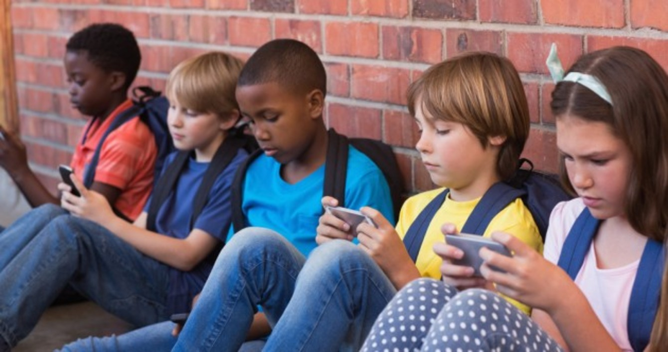 TD warns mobile phones give children access to 'unlimited ...