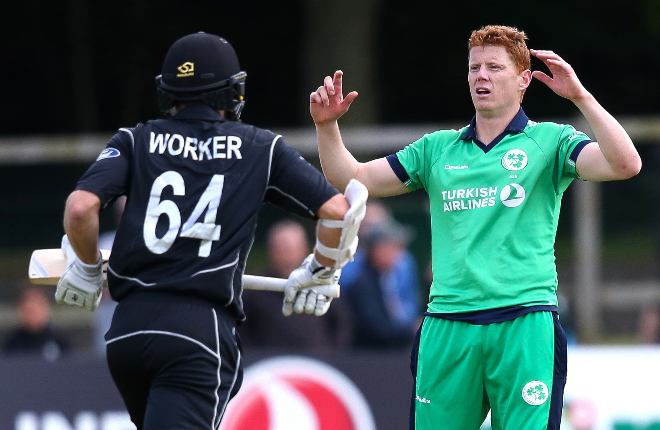 Santner spins New Zealand to win over Ireland
