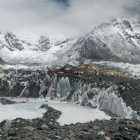 Rescuers find body of missing Everest climber, bringing death toll to four