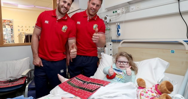 Big smiles, fidget spinners and a thumbs up - the Lions visited Temple Street today