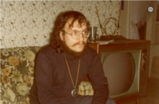 George RR Martin shared a photo from 1976 and people think he's the image of Jon Snow