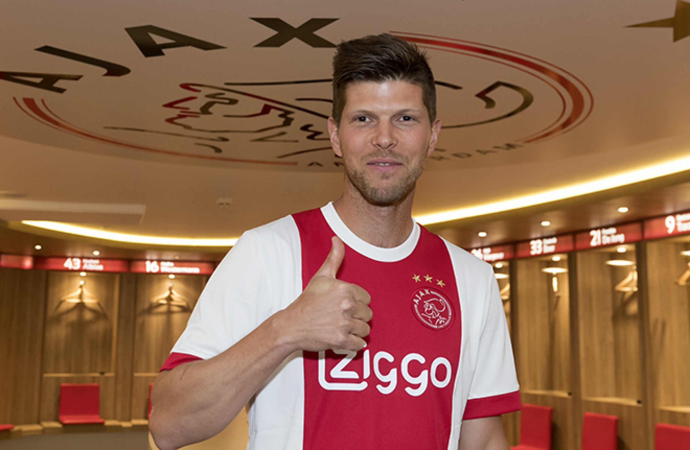 Dutch striker Huntelaar rejoins Ajax on one-year deal