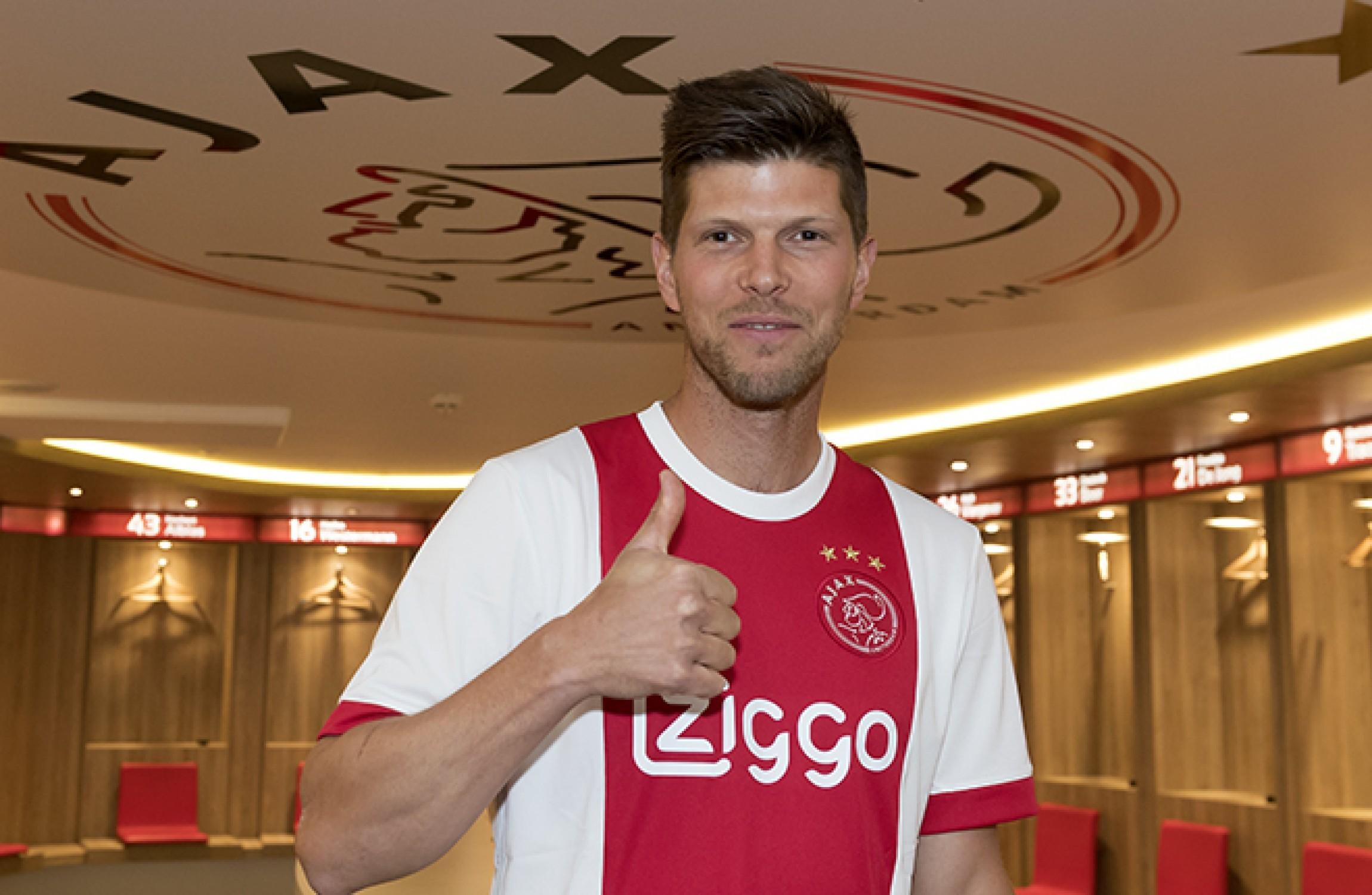 Ajax signs Dutch striker Klaas Jan Huntelaar