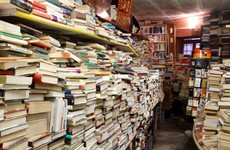 Colombian bin man finds book in garbage. 20 years on, he has library with 25,000 discarded books