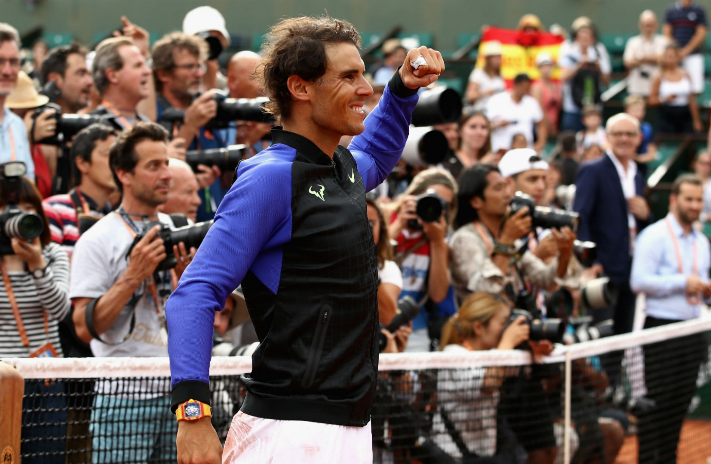 Federer hails `incredible` Rafa post record 10th French Open triumph