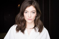Lorde has a secret Instagram account where she reviews onion rings... It's the Dredge
