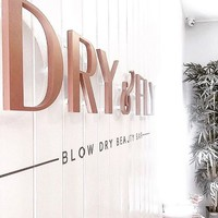 You can drink gin *and* get your hair done at this fierce glam blow dry bar in Dublin