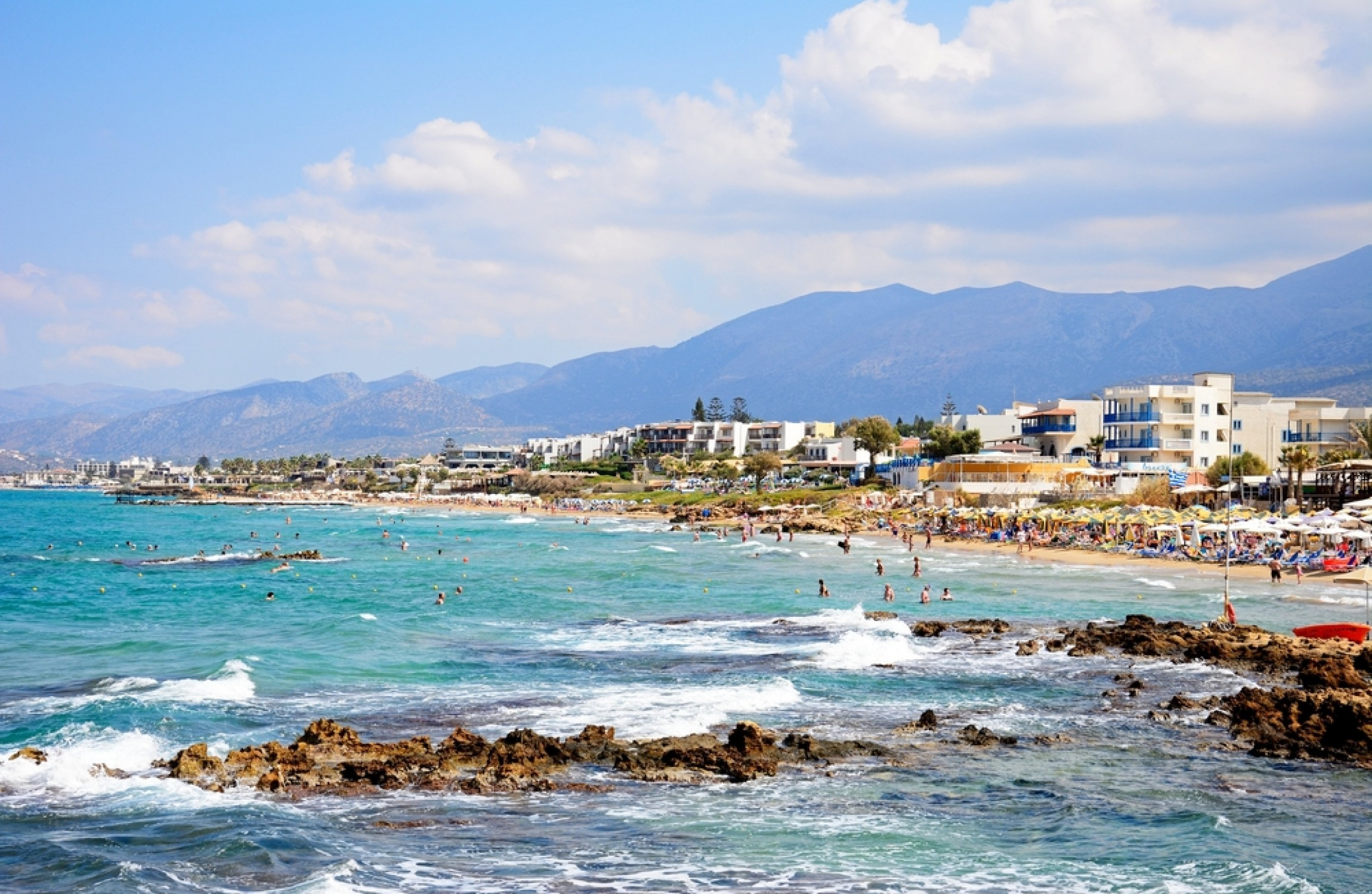 Irish girl (15) drowns in hotel swimming pool in Crete