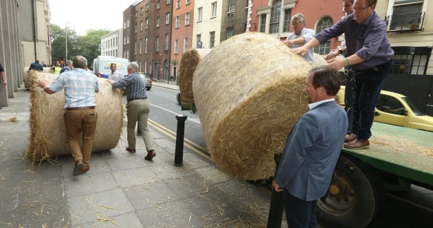 Day 2: Tillage farmers sleep overnight at the Department of Agriculture building