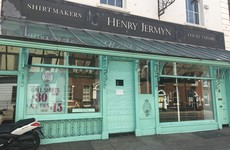 A deluxe men's clothes shop owned by a former Dragons' Den star has shut