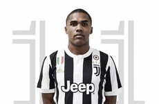 Juventus complete signing of Brazilian winger from Bayern Munich