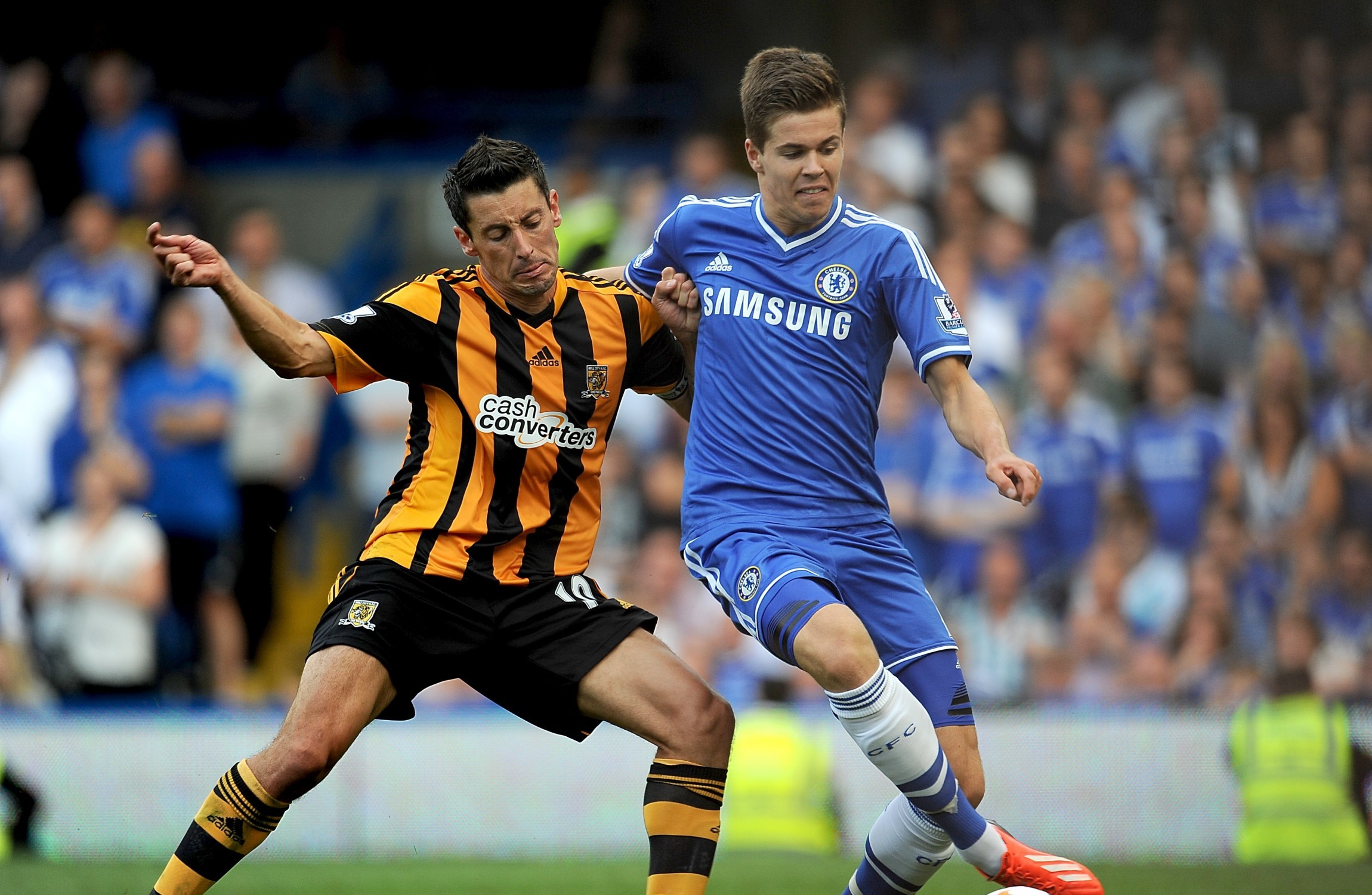 Chelsea midfielder Marco van Ginkel rejoins PSV on season-long loan deal
