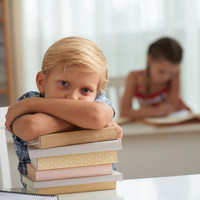 Parents pay �275 per child on secondary school books