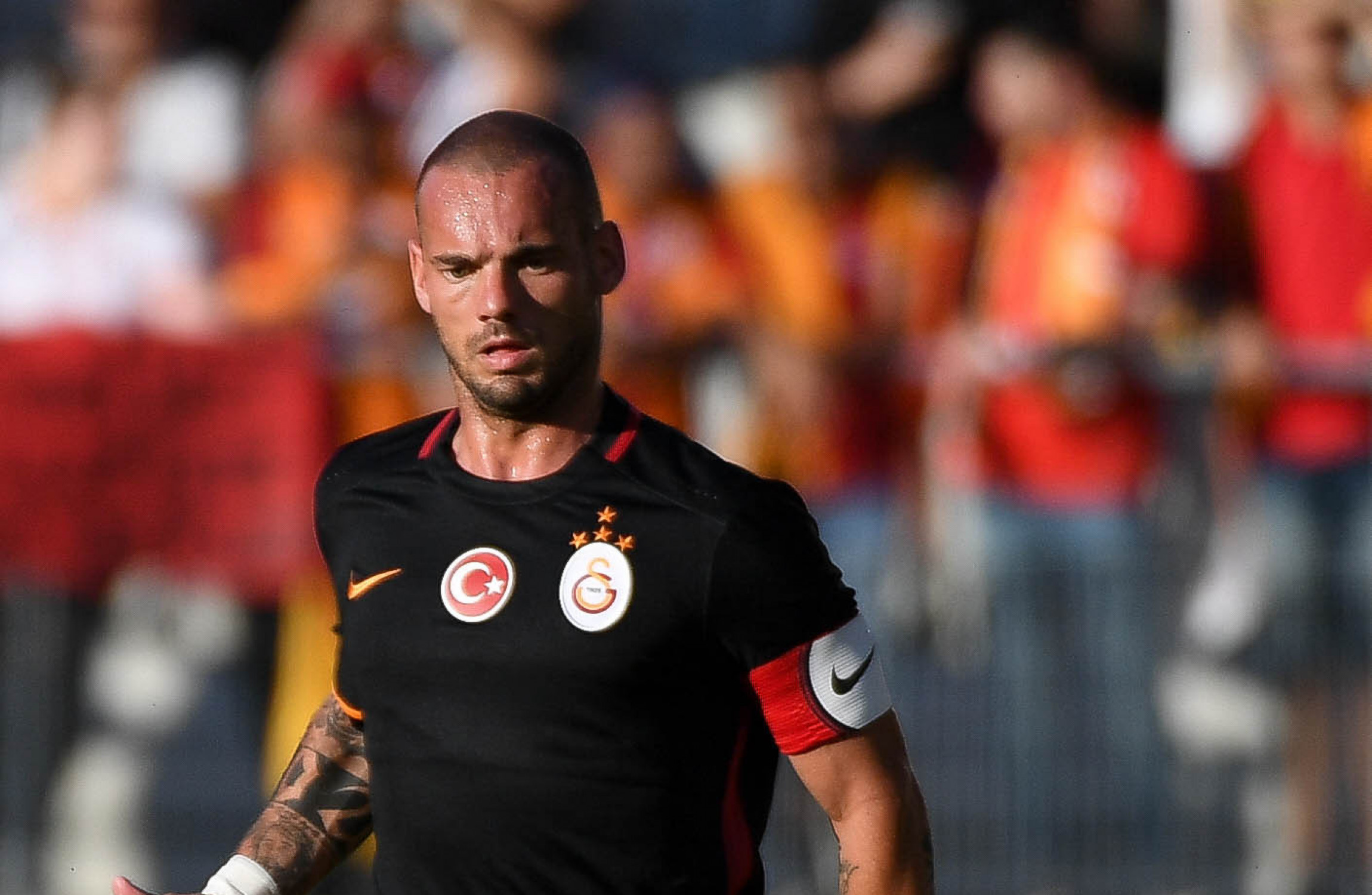 Wesley Sneijder is on the move again as he heads for France · The42