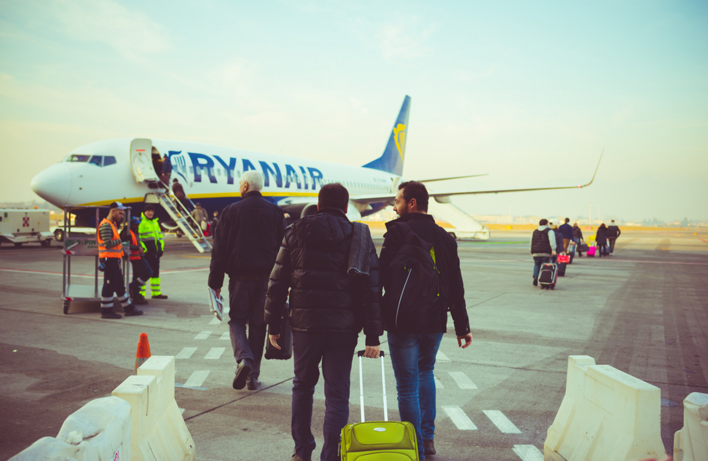 Ryanair to cut cabin baggage allowance