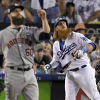 Dodgers scorch into World Series lead in gruelling heatwave-hit opener