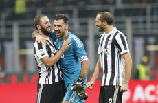 Higuain-inspired Juventus beat struggling Milan at San Siro