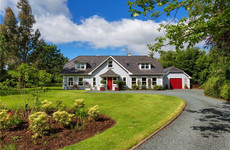 4 of a kind: Family bungalows with plenty of green space
