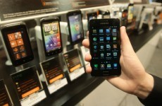 MEPs vote to make further cuts to roaming charges