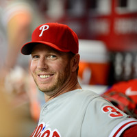 Baseball world mourns death of ex-MLB star Roy Halladay after his plane crashes in Florida