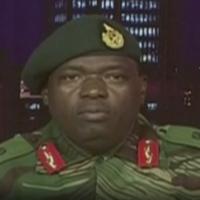 Zimbabwe crisis: Mugabe 'under house arrest' after army seizes control