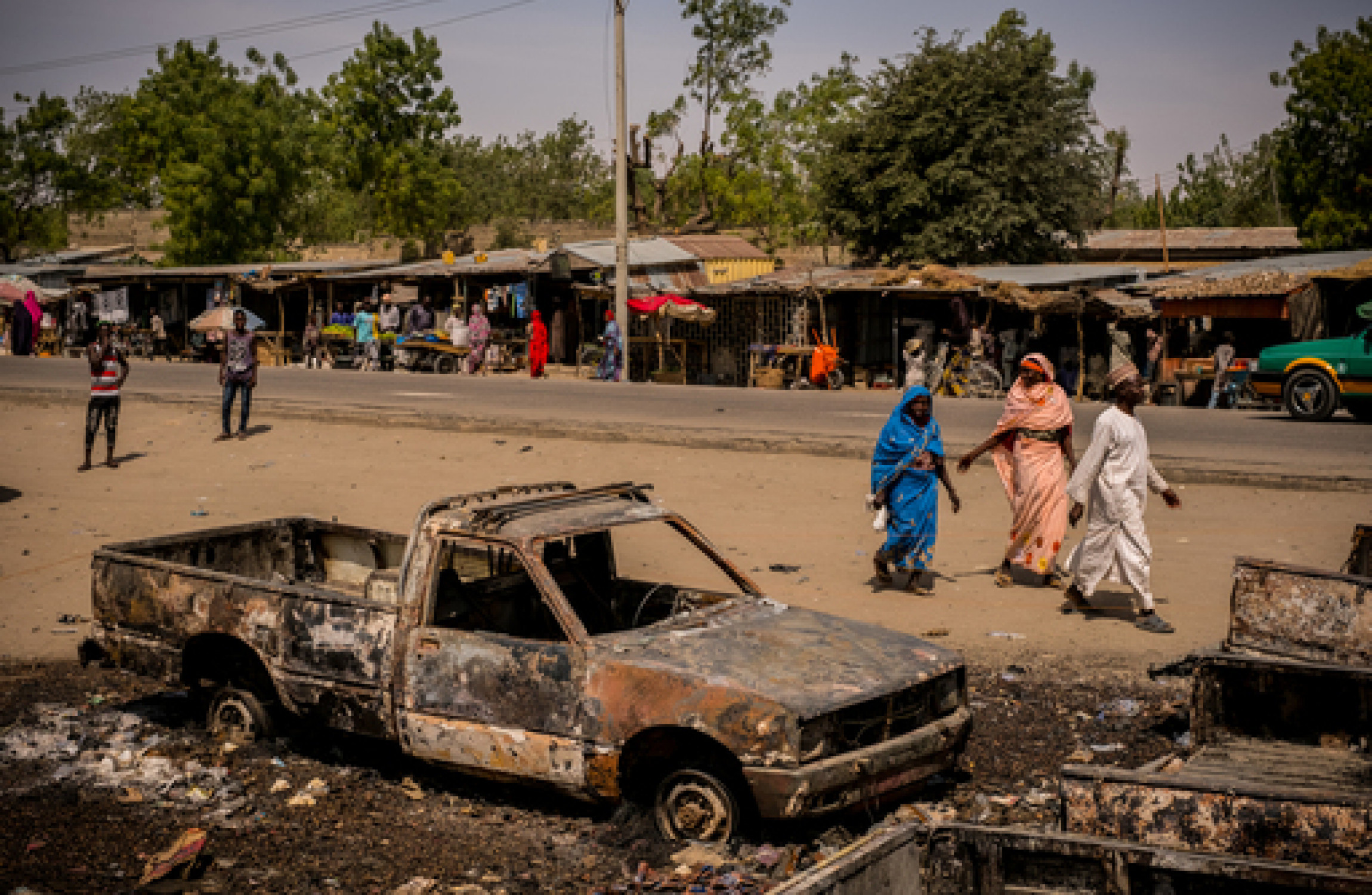 Nigerian army says hundreds escape Boko Haram detention