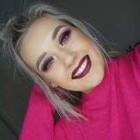 What's in my makeup bag? Becky Timlin