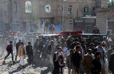 Saudi-led air strikes kill 14 civilians in Yemen village market