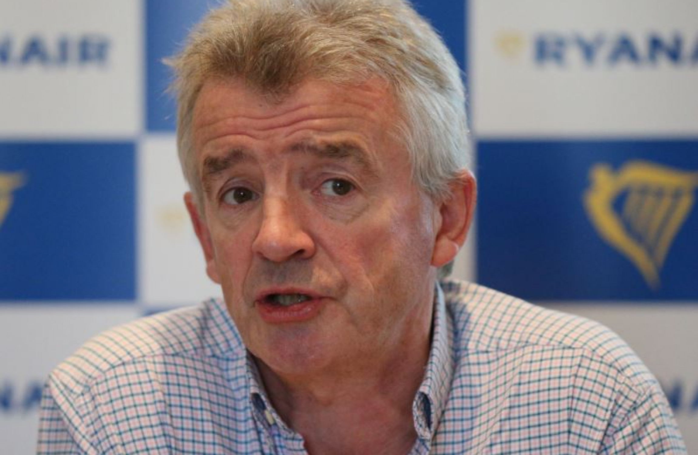 Ryanair cuts carry-on baggage allowance to just one handbag