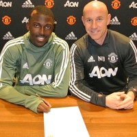 Manchester United hand first professional contract to 'gifted' ex-PSG teen