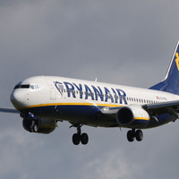 Ryanair offers its Dublin pilots a pay rise after it agrees to recognise unions