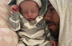 Enrique Iglesias has introduced his twins to the world ... it's the Dredge