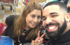 Drake went to a supermarket in Miami and spent €40,000 buying every single customer's shopping for them
